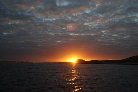 Pesca en  La Graciosa 2012 Puesta de sol